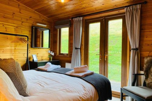Luxury Farm Cabin in the Heart of Wales