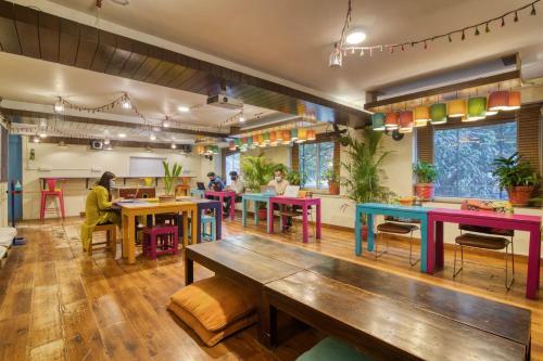 Lounge oder Bar in der Unterkunft goSTOPS Delhi