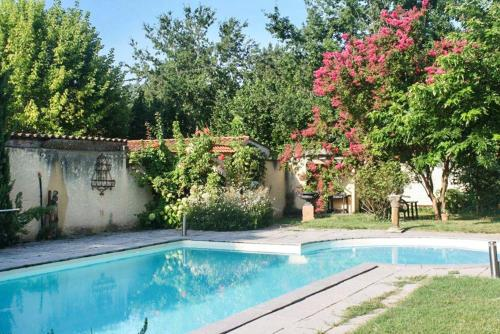The swimming pool at or near House with 2 bedrooms in Duravel with shared pool enclosed garden and WiFi