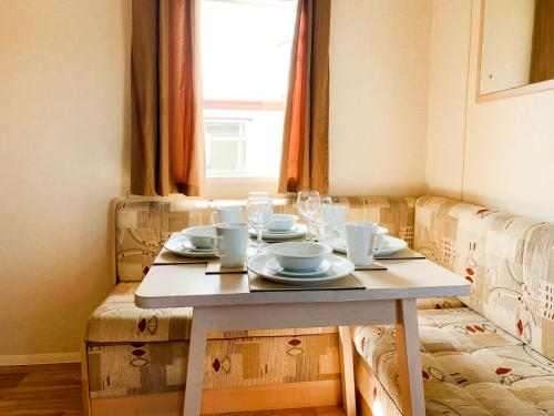 Beautiful 3-Bedroom Caravan at Mersea Island