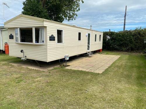 3 Bed 8 Berth Caravan in California Cliffs - M1