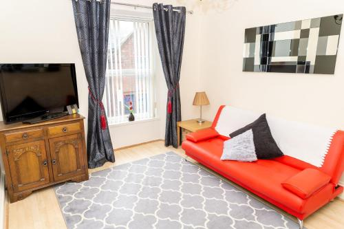 Sandgate 2-Bed Apartment in Ayr central location