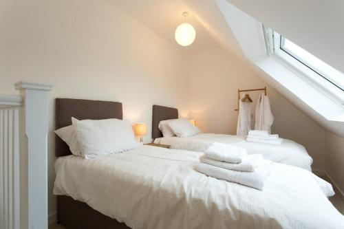 Remarkable 2-Bed Apartment in Culross