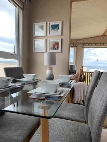 Stunning 3-Bed Caravan with sea views
