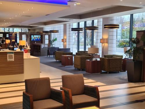 The lounge or bar area at Holiday Inn Express London - ExCel