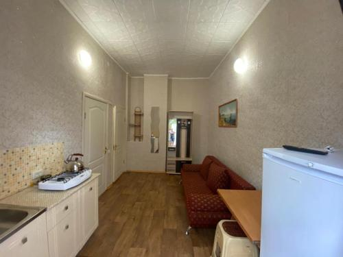 A kitchen or kitchenette at Guest House 33 Shaga