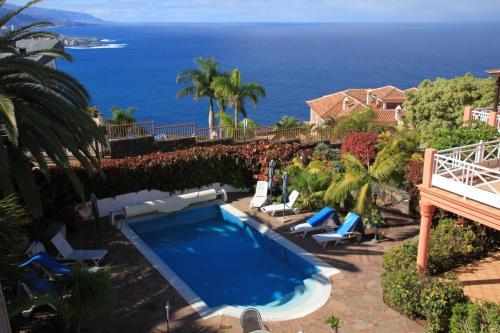 Vista de la piscina de Vistamar o alrededores