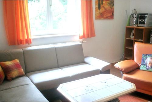 Ein Sitzbereich in der Unterkunft House with 3 bedrooms in Purgstall with enclosed garden and WiFi 40 km from the slopes