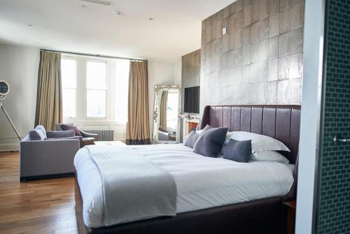 A bed or beds in a room at Hotel Du Vin & Bistro Tunbridge Wells