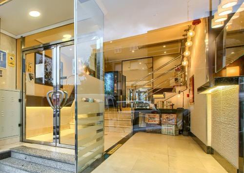 The lobby or reception area at HS Castilla Fuenlabrada