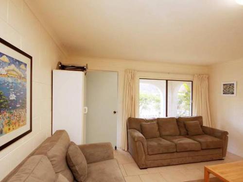 A seating area at Surfsea - Villa Manyana 32