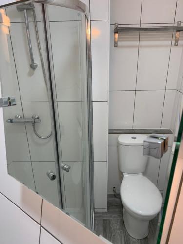 A bathroom at The Danescourt