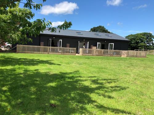 1 Barn Cottages