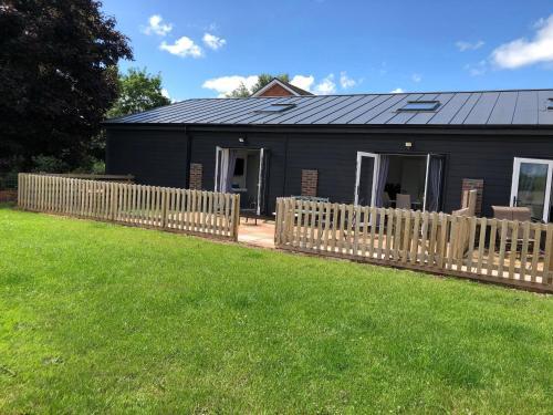 2 Barn Cottages