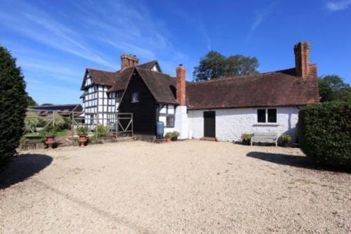Impressive Tudor house near Shrewsbury