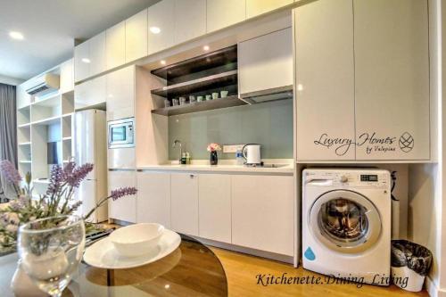 A kitchen or kitchenette at Platinum Residence Kuala Lumpur