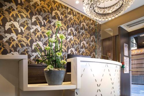 The lobby or reception area at Daunou Opéra