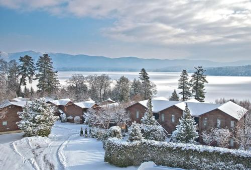 The Lodges at Cresthaven during the winter
