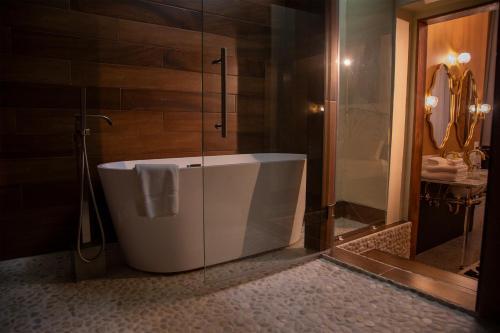 A bathroom at School 31 Lofts