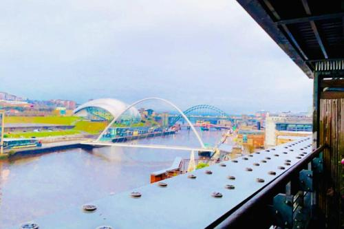 Newcastle Quayside apartment with stunning view!