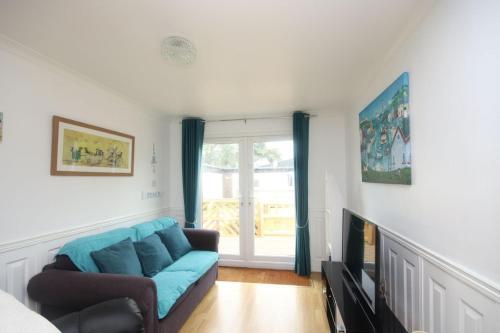 7C Medmerry Park 2 Bedroom Chalet