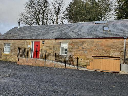 Inviting 2-Bed Barn with hot tub near Muirkirk