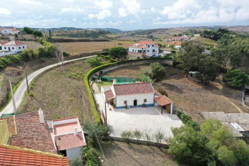 A bird's-eye view of Villa with pool Barbecue