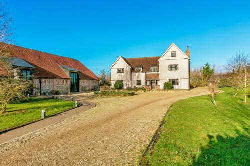 Gorgeous farmhouse next to award-winning Vineyard