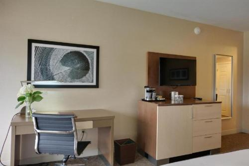 A television and/or entertainment center at Doubletree by Hilton Hotel Williamsburg