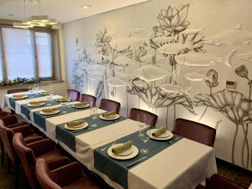 A restaurant or other place to eat at Boutique Hotel Khabarovsk City