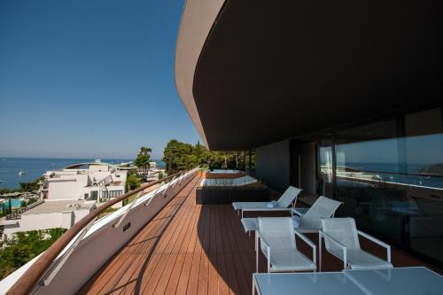A balcony or terrace at Hotel Lone