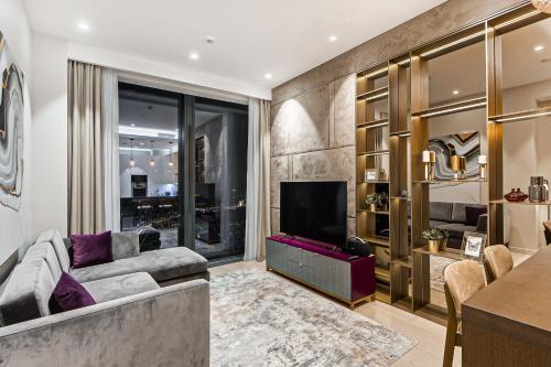 """Гостиная зона в Sky Luxury """"Suite"""", Отельные апартаменты 60 Этаж - Башня Нева"""
