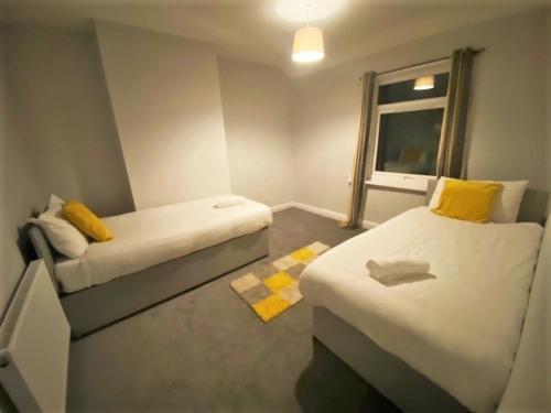 THREE BEDROOM HOUSE CLOSE To NEWCASTLE CITY CENTRE, FREEMAN, IN HIGH HEATON