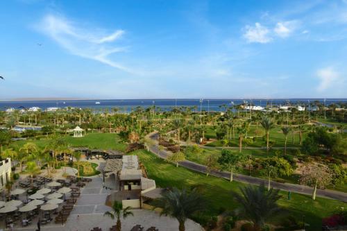 A bird's-eye view of Steigenberger Aldau Beach Hotel