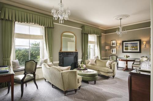 Area soggiorno di The Shelbourne, Autograph Collection