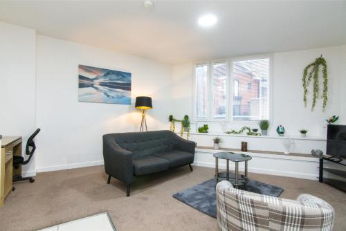 Spacious 2 Bedroom Garden Apartment in City Centre