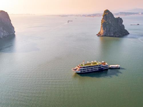 A bird's-eye view of Legacy Cruise