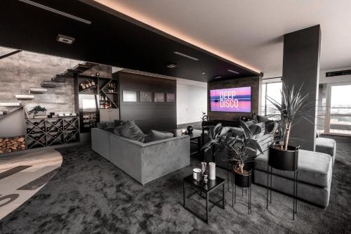 The lobby or reception area at Sky Garden Penthouse