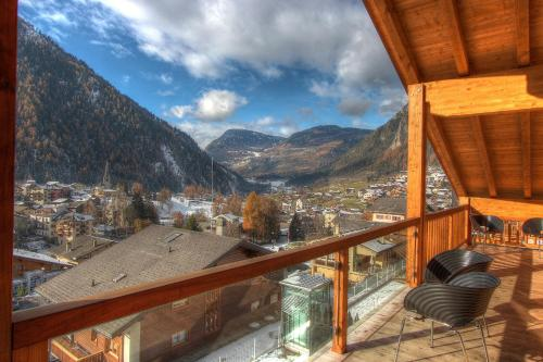 Ein Balkon oder eine Terrasse in der Unterkunft Les Fleurettes