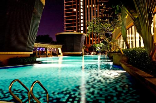 The swimming pool at or close to Times Service Suites @ Times Square