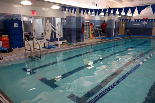 Bazén v ubytování Harlem YMCA nebo v jeho okolí