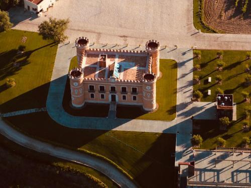 A bird's-eye view of Castillo Monte la Reina