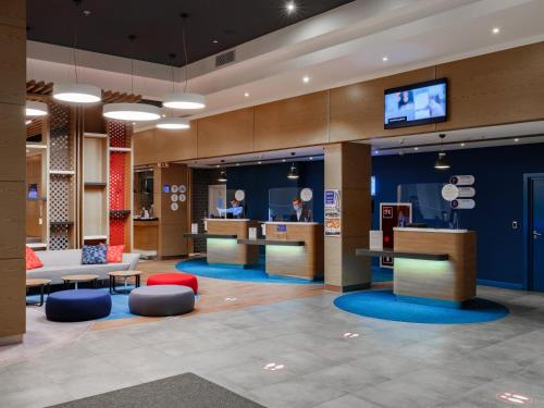 The lobby or reception area at Holiday Inn Express Moscow - Sheremetyevo Airport, an IHG hotel