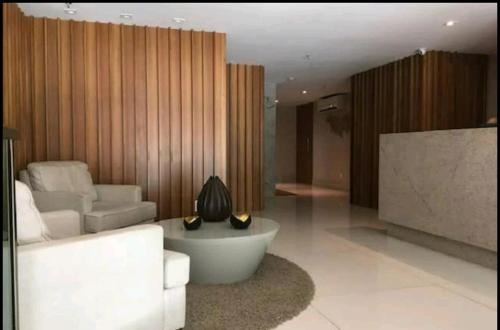 The lobby or reception area at London Residencial