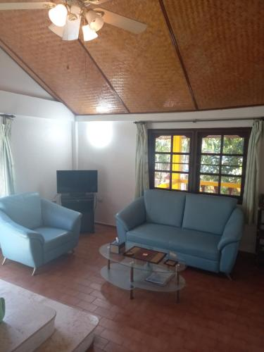 A seating area at Baan Orchid Guesthouse