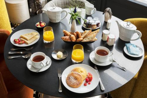 Breakfast options available to guests at Castelbrac Hotel & Spa
