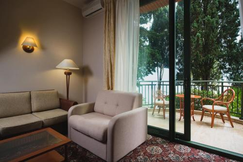 A seating area at Отель MORE SPA & RESORT