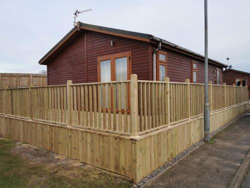 Beautiful 2-Bed Cabin in Bridlington