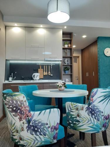 Kuhinja ili čajna kuhinja u objektu Select Apartments Konaci
