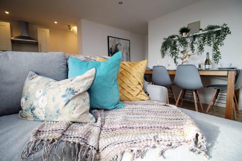 Batheaston House Apartment 1 by StayBC